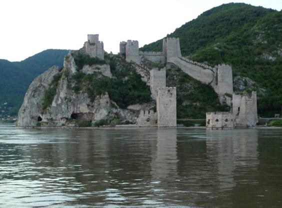 Serbia, un estado muy reciente, o la destrucción de yugoslavia